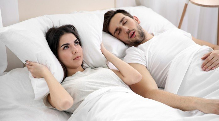 Schnarchen Laut Hilfe Schlafen