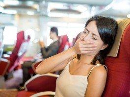 Reiseübelkeit Frau Medikamente Ohr