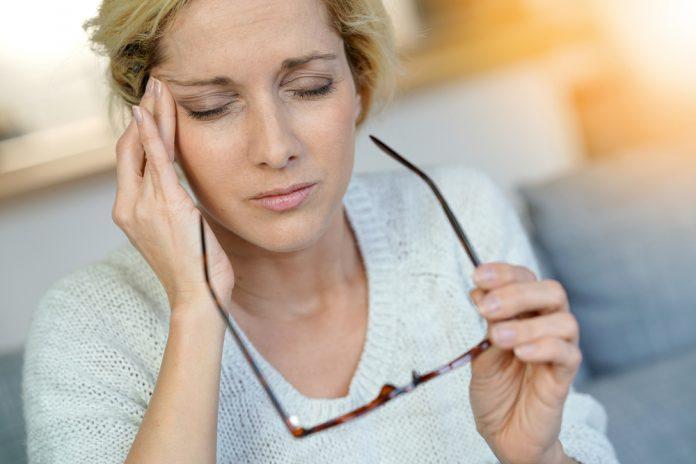 Natürliche Behandlung Migräne Auslöser Sehstörungen