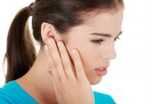 Ohrenschmerzen Behnadlung Ursachen Medikamente Hilfe