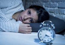 Schlafstörungen Behandlung Schlafmittel Hausmittel Tipps