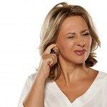 Jucken im Ohr Wattestäbchen Ursachen Hilfe Behandlung