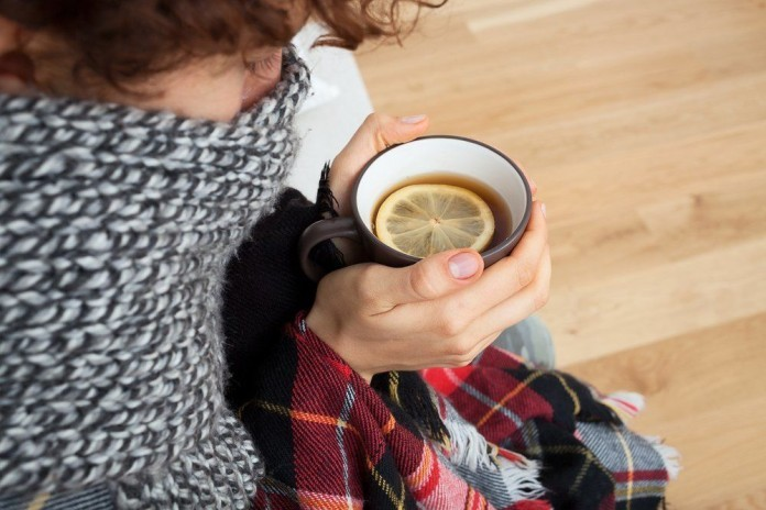 Halsschmerzen Tee Hausmittel Tipps Kräutertee Erkältung Grippe