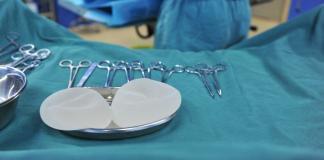 Silikonimplantate-Brustimplantate-Brust